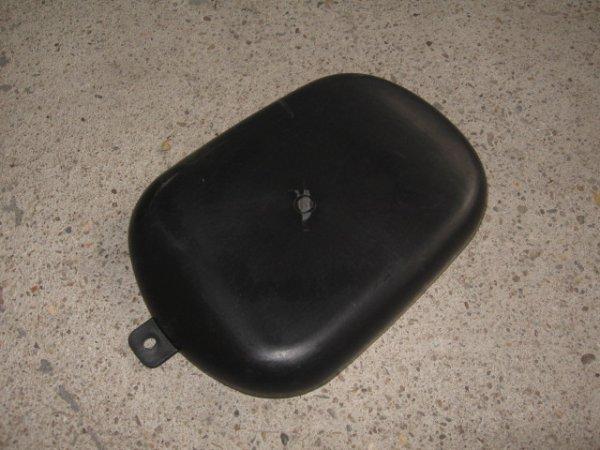 Deckel im Helmfach (2-Sitzer)
